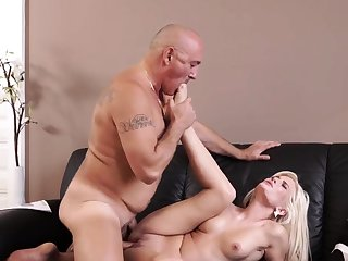 Venerable granny threesome Sultry platinum-blonde wants to attempt